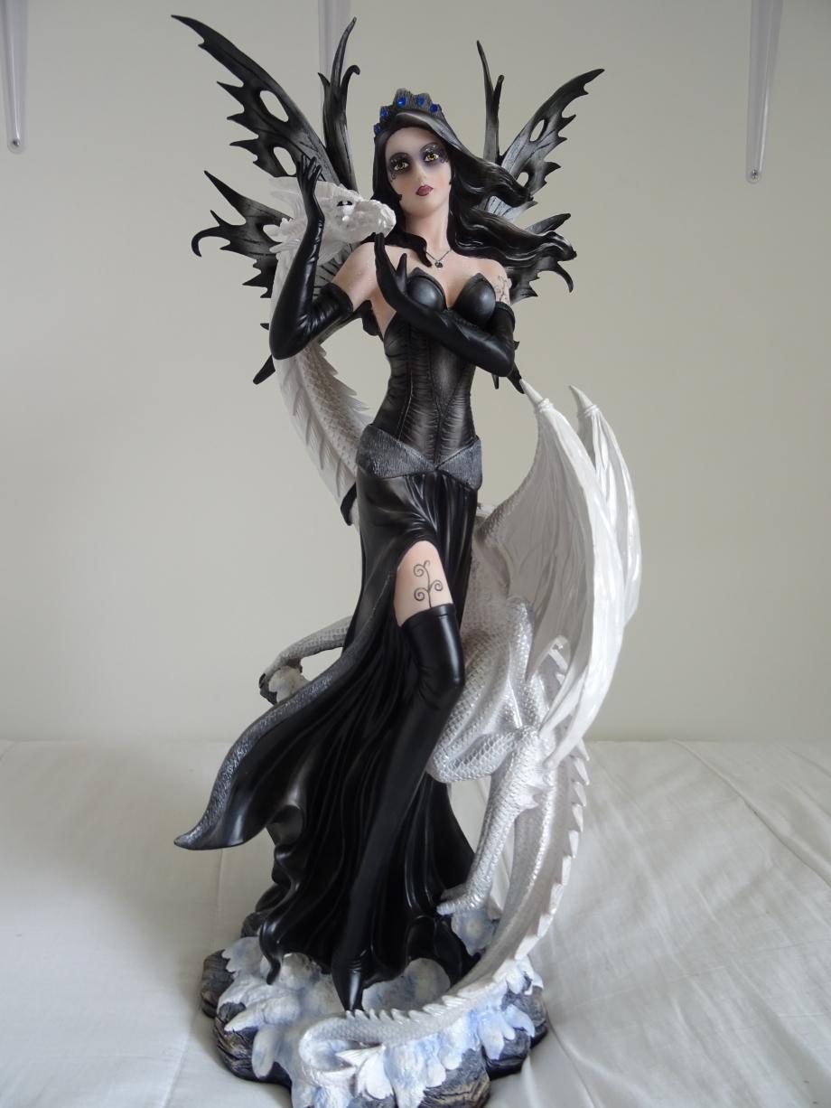 dark angel avec dragon blanc.