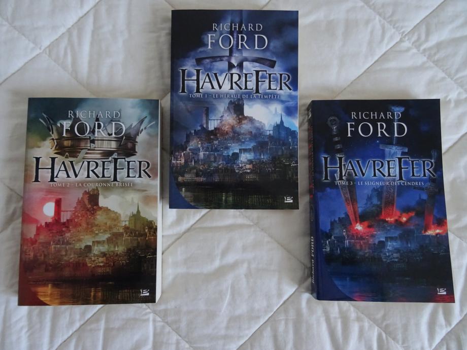 (en ce vendredi 30/03/2018) trois nouveaux romans enfin nouveau, pas vraiment, sorti en 2015 chez bragelonne, c'est la réédition du premier tome qui m'a convaincu de la suite.