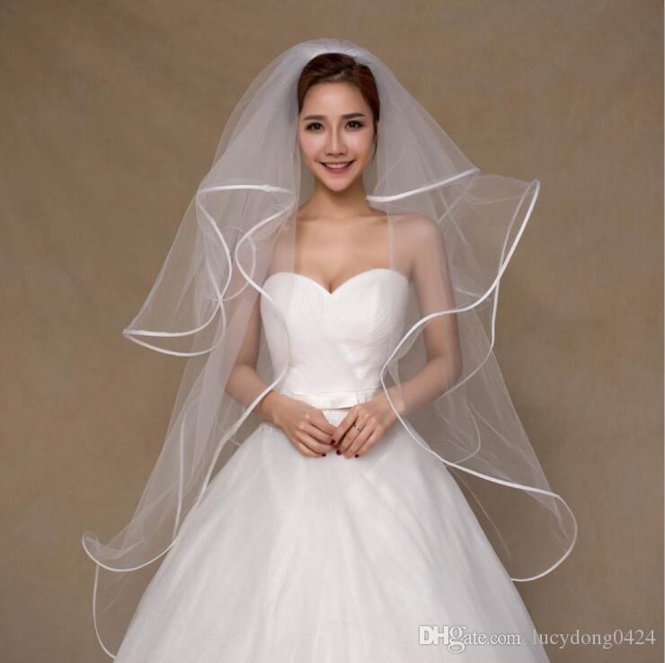 simple-elegant-tulle-wedding-bridal-veils