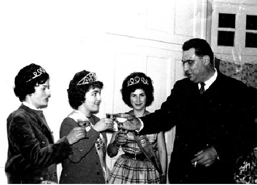 1962-Louis Bouet et les reines