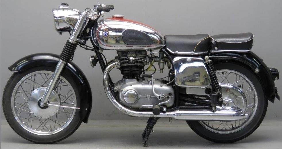 HOREX 400 Imperator 1955 Un des premiers moteurs de série équipé d'un arbre à cames en tête entraîné par chaîne