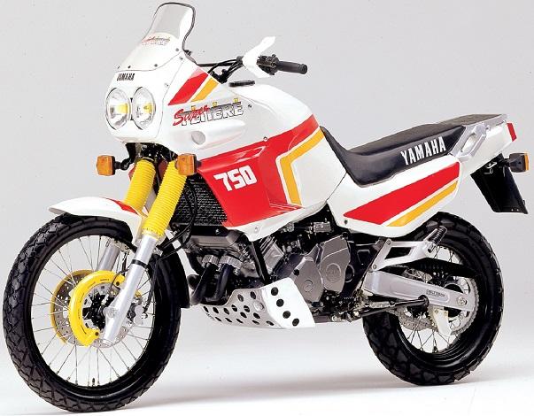 YAMAHA XTZ 750 Super Ténéré de 1989 Premier bicylindre à 10 soupapes et double balancier d'équilibrage, comme les prototypes du Paris Dakar.