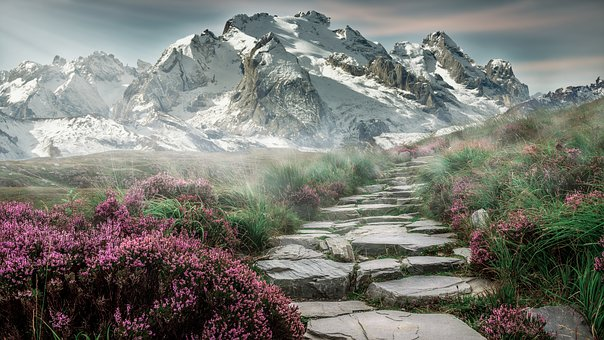 mountain-landscape-2031539__340.jpg