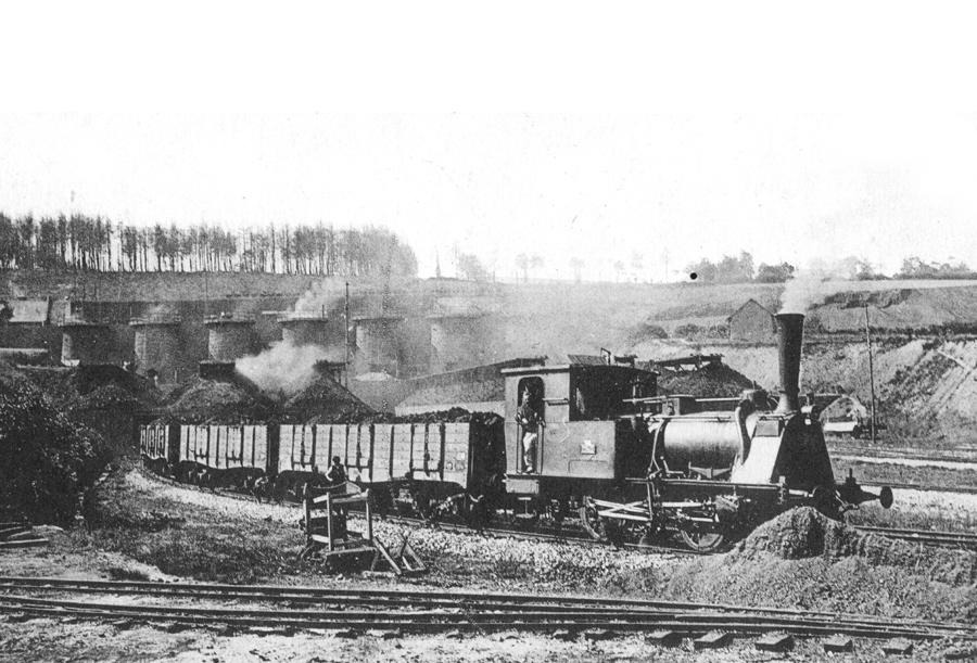 Départ des wagons de 40 tonnes pour les hauts-fourneaux de Denain-Anzin.