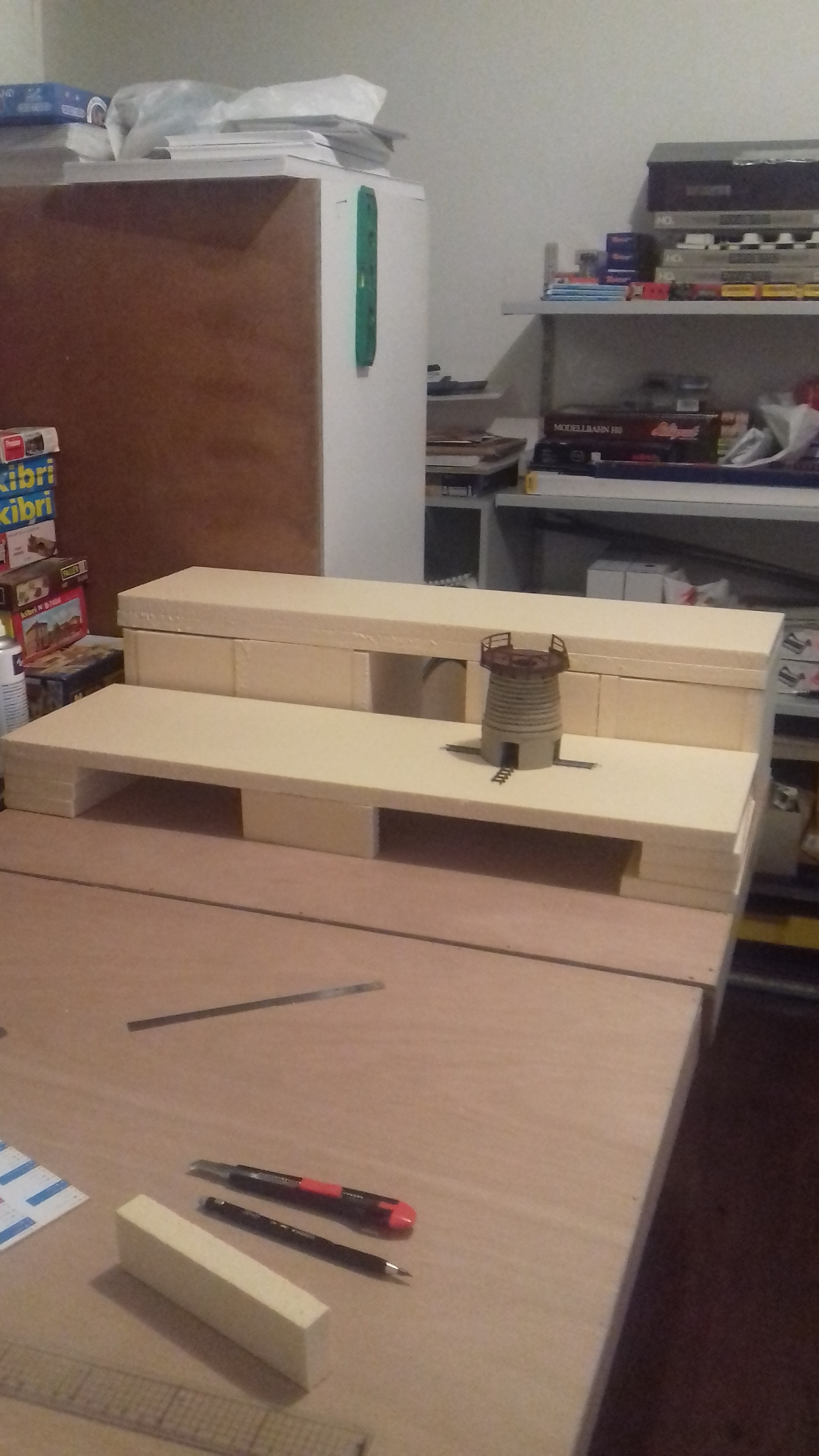Continuation de la construction des 2 plates-formes.