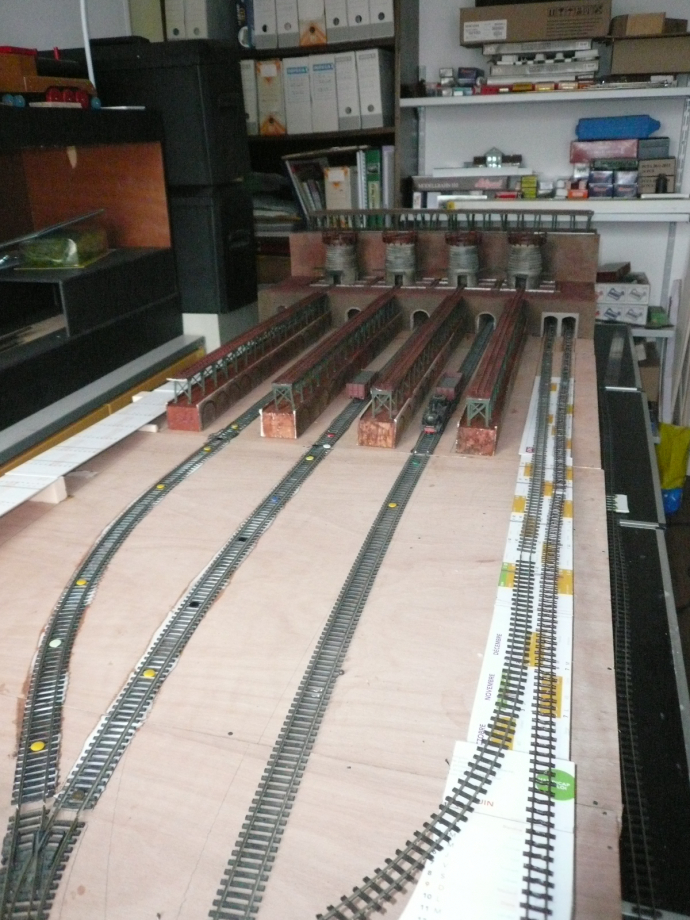 Pose des voies de départ vers la voie normale en direction de la gare de St-Bômer.
