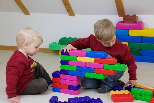 Briques géantes Journée : 12 € Weekend : 18 €