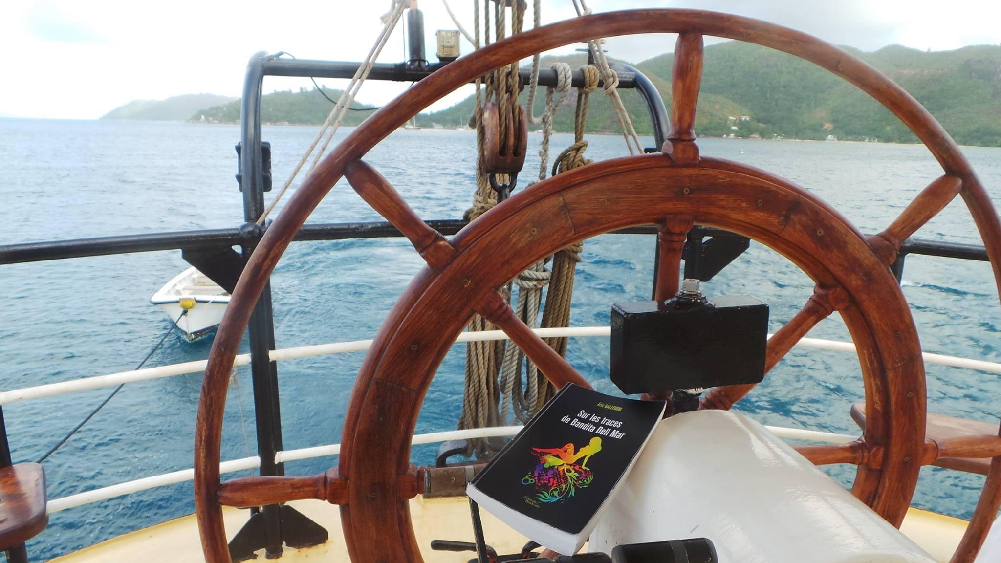Bandita en croisière au large des Seychelles, Céline