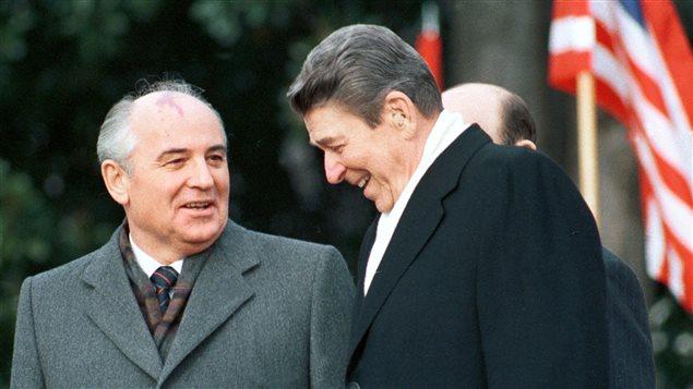 Gorbatchev Reagan.jpg