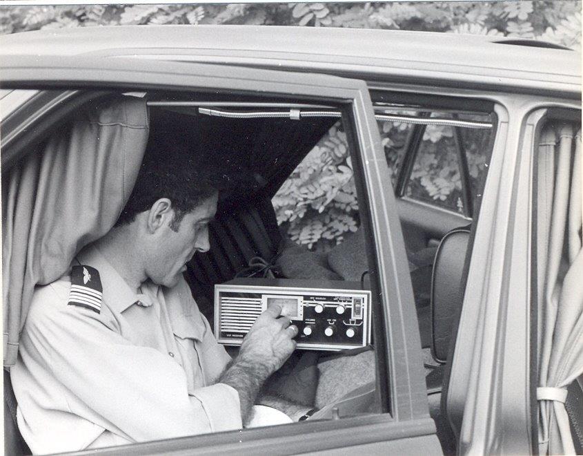 appareil radio sur réception uniquement à l'ecoute des suiveurs (coulot)