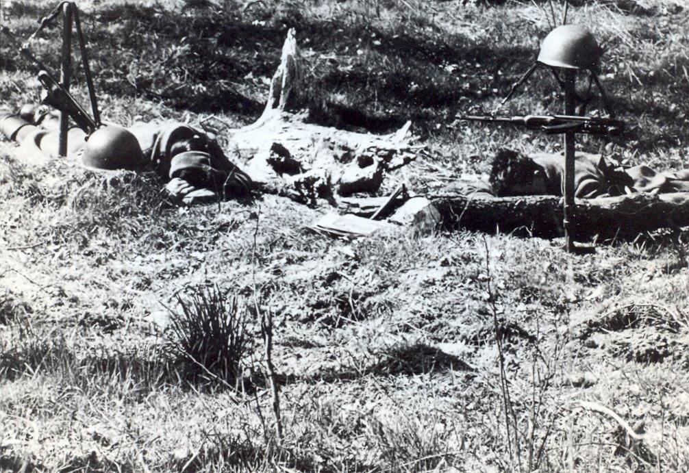 soldats sov loin des chefs