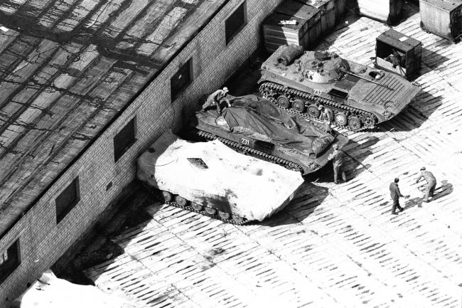 BMP2 en cours de bâchage