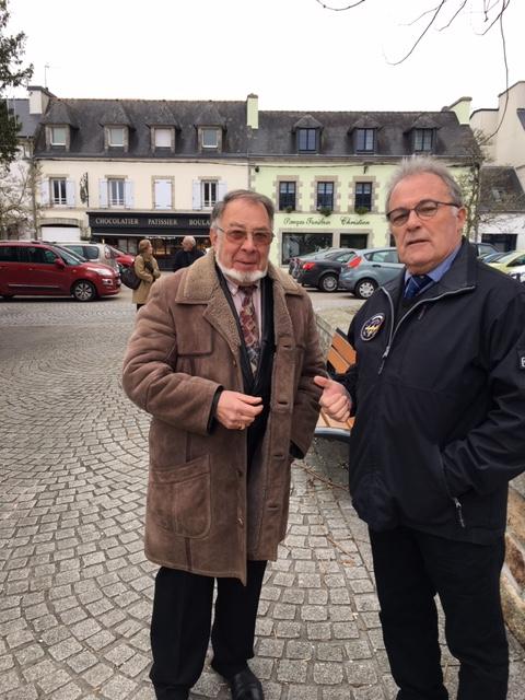 Henri Baldassari , tu vas les reconnaitre ces deux-là :  Michel Scarpellini ( ESMAT) et le président AGASM NARVAL à LORIENT = Françis Le neillon ...