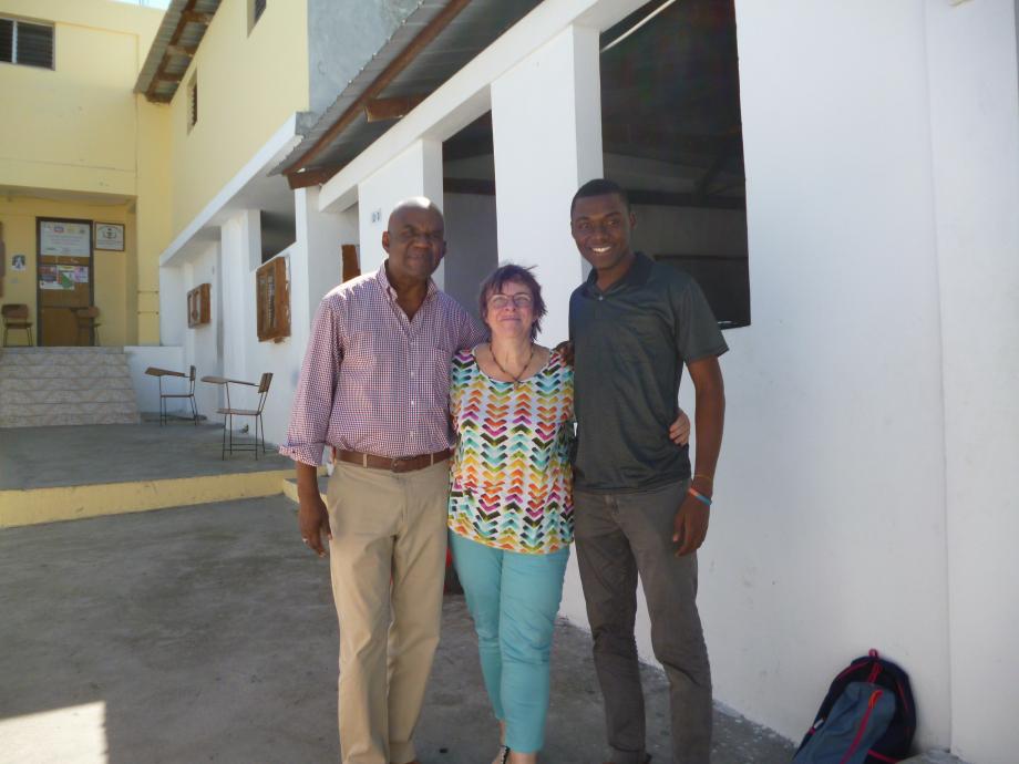 M. Chéry, administrateur de l'université Lumière, Christine et Papito