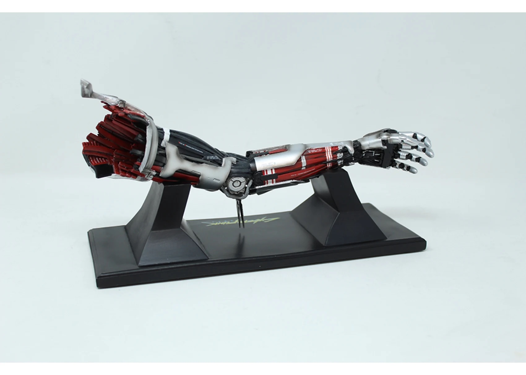replique-bras-cyberpunk5