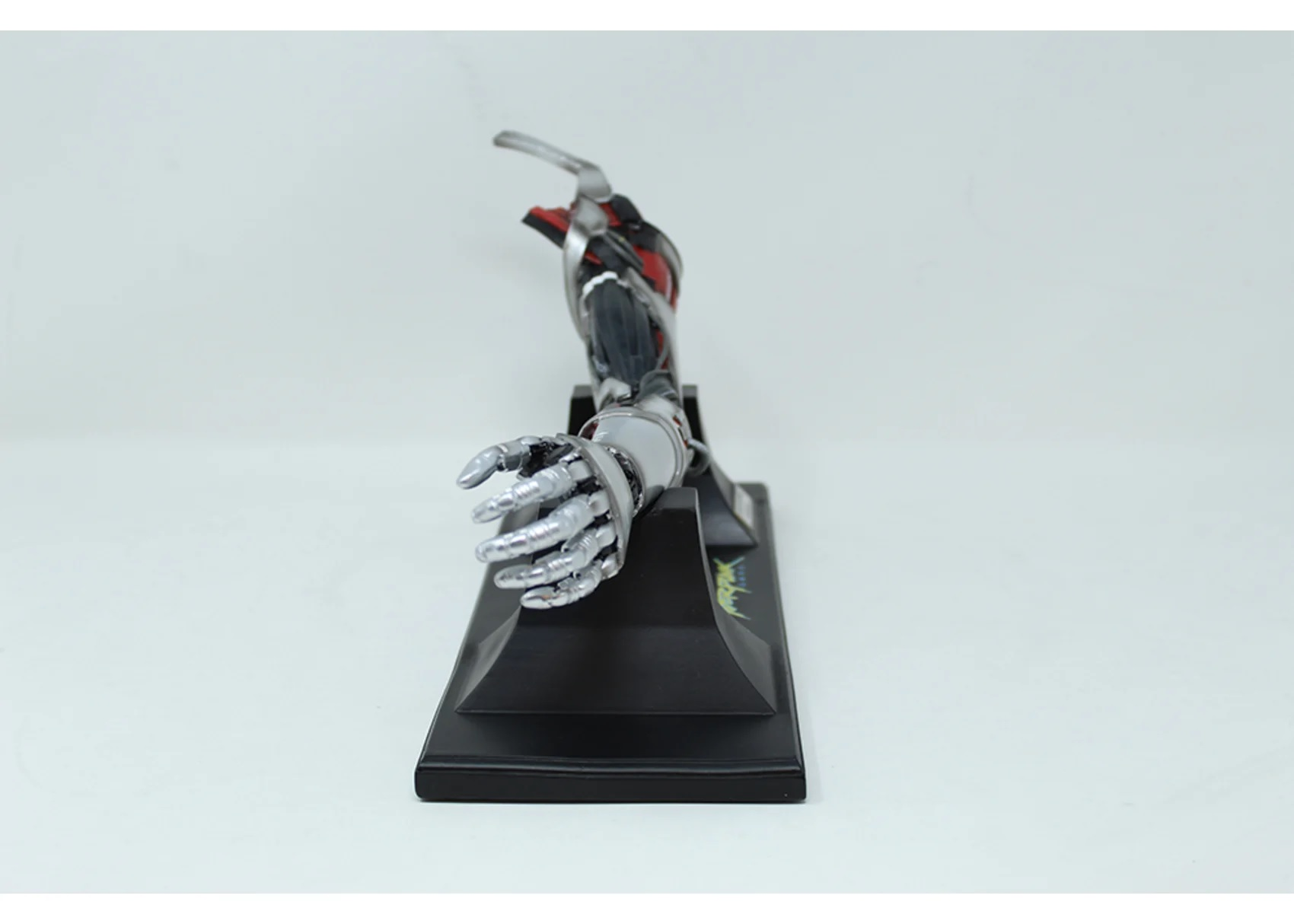 replique-bras-cyberpunk8