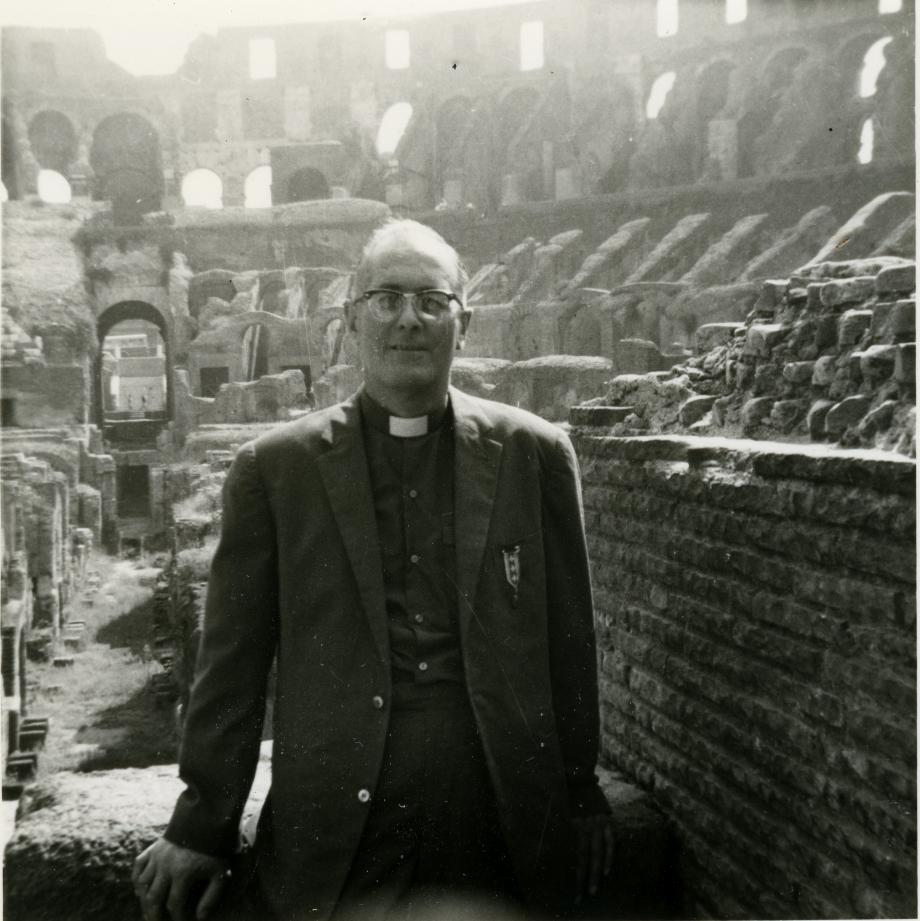 Ici, en pèlerinage à Rome en 1966. (Coll. Gérard CHARASSON)