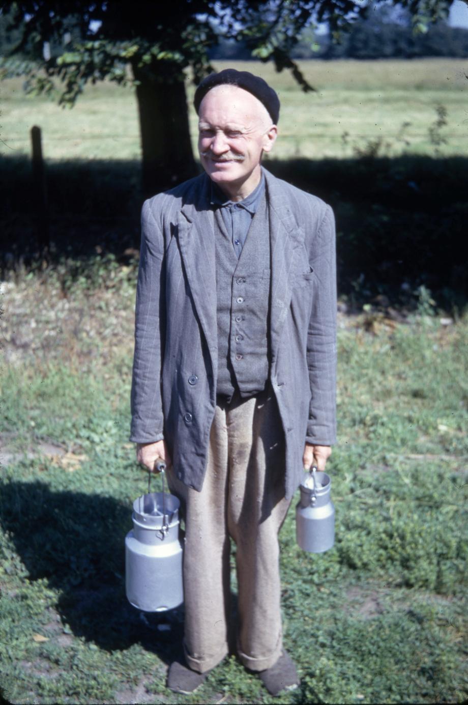 Juin 1967, Raymond BEDOUILLAT revient de la