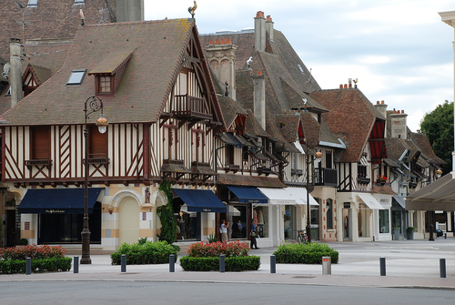 dauville.jpg