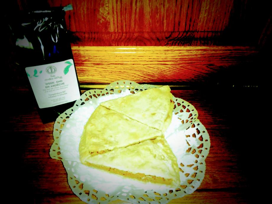 Photo personnelle Tout droit réservé Comme vous le constaterez, j'ai servie cette tarte avec un thé de saison de Christine Dattner
