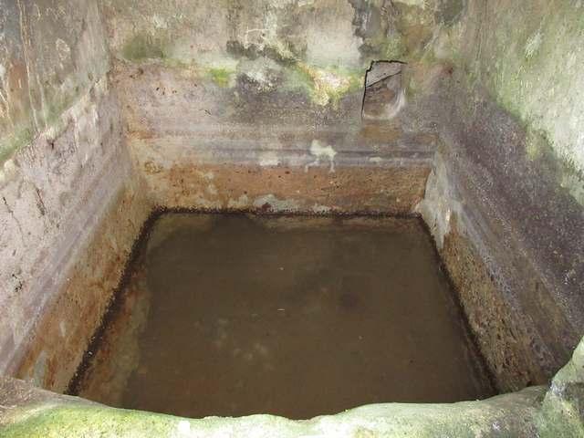 Réservoir de la fontaine de La Tute.jpg