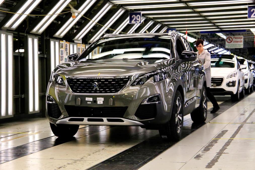 Marque Peugeot et Certificat de Conformité Peugeot