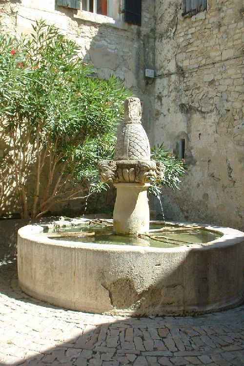 Fontaine à Séguret