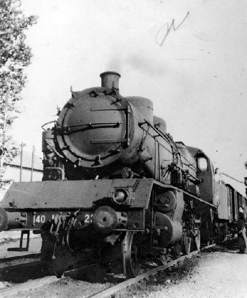 LOCOMOTIVE 140 J