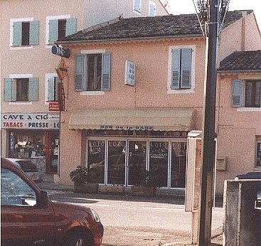 APT LE CAFE DE LA GARE