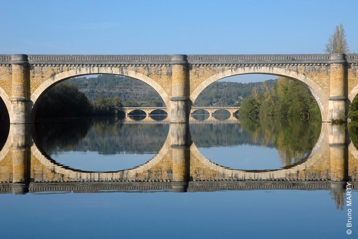 02 - Pont ferroviaire de Trémolat (1er plan) et pont routier de Témolat (2éme plan)