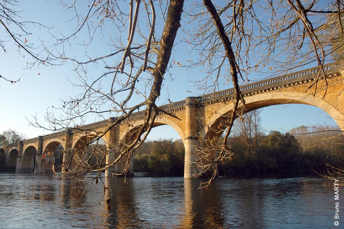 06 - Pont d'Alles sur Dordogne 01