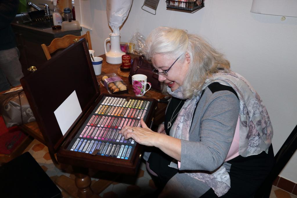 201228.14 - Lausanne, av. Dapples 3 - Sylviane déballe ses pastels