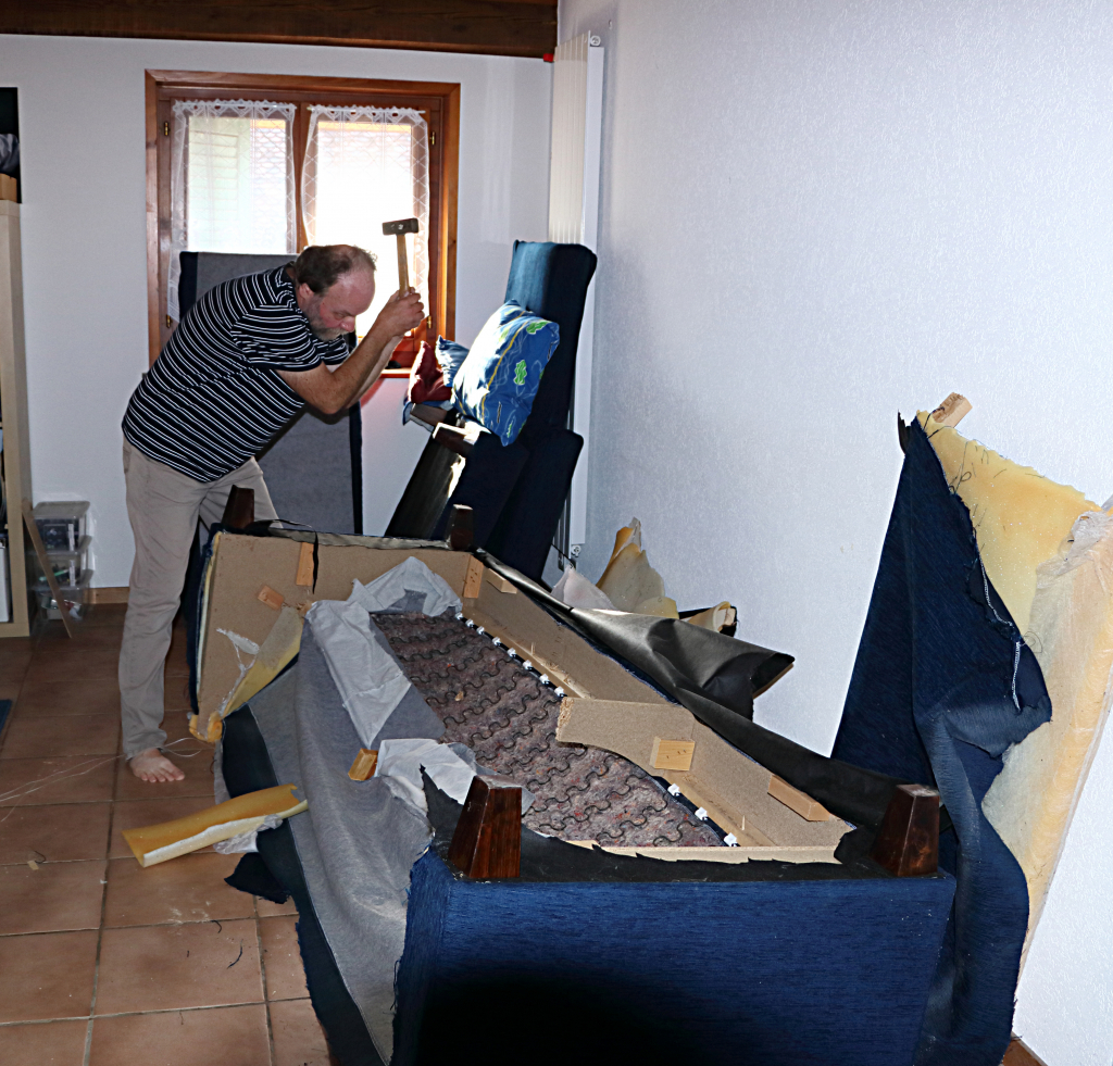 destruction canapé IMG_5426F
